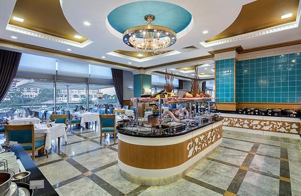 Merit-Royal-Restoran.jpg
